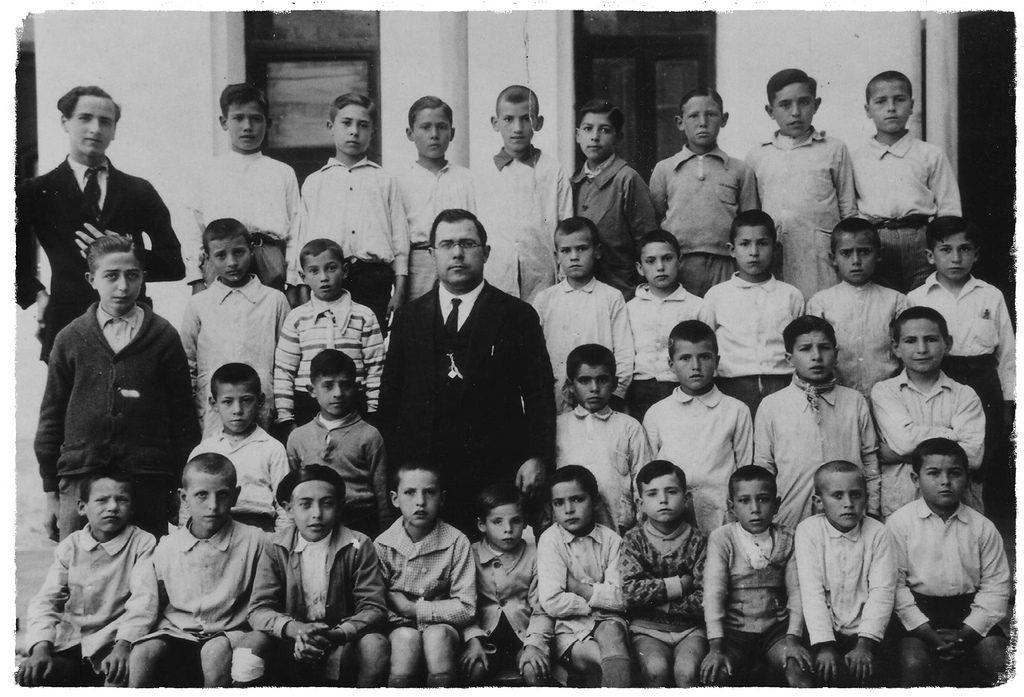 Participa aportant fotografies antigues o actuals relacionades amb les Escoles de Castelló