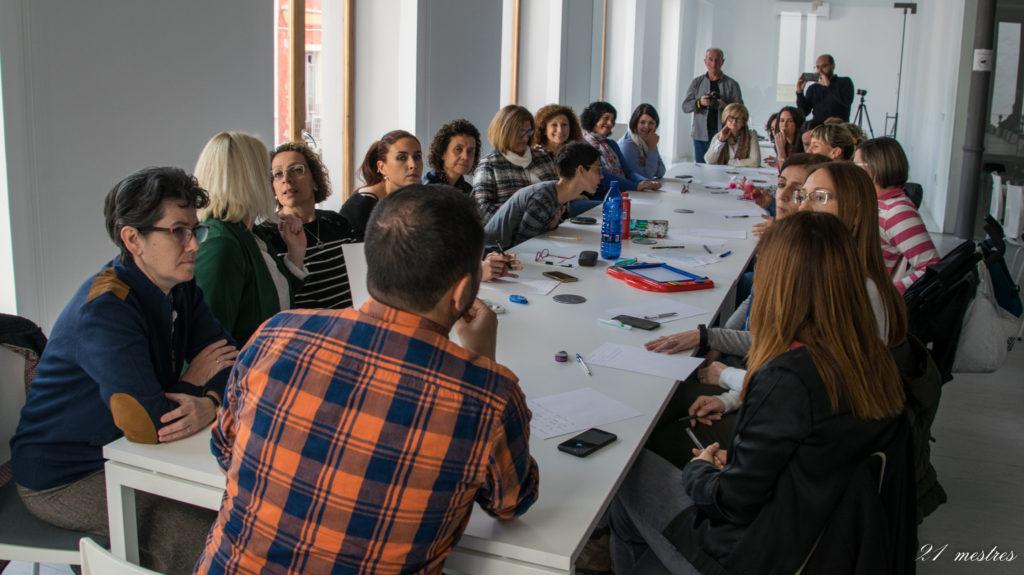Dones Mestres de la Ribera, un projecte de Ricard Huerta per a la XVIII Assemblea d'Història de la Ribera, reuneix vint-i-una mestres a Castelló